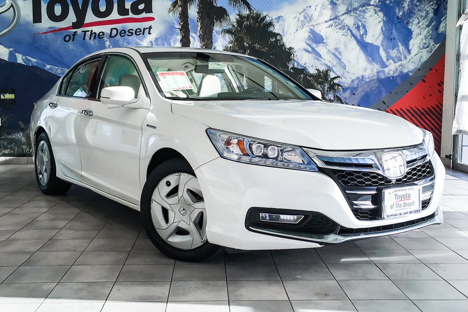 Pre Owned 2017 Honda Accord Plug In Hybrid